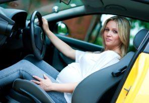 trudnica u autu