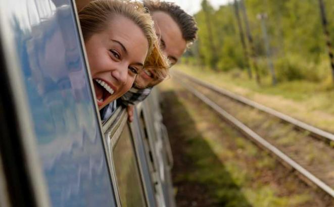 Što biste radili s osobom iznad, prikaži slikom - Page 25 Putovanje-vozom-mladi